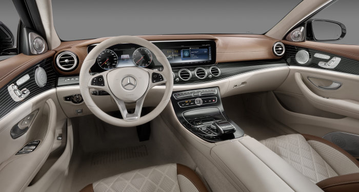 "In short: ""Automotive Interiors Expo Awards 2016"": New E-Class wins prizes for interior design"