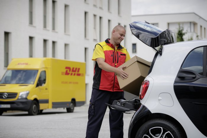 From the autumn, smart car drivers can test a new logistics service: smart car boot = parcel drop-off point