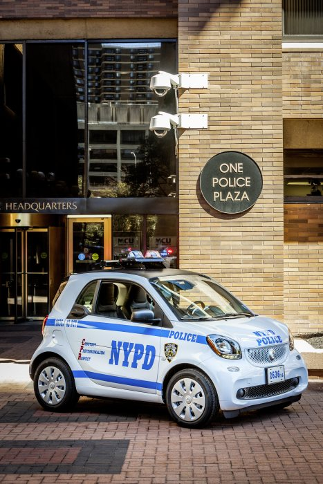 New York City Police Department orders 250 smart fortwos: smart forcops
