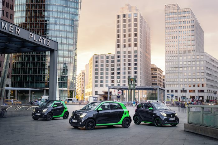 World premiere for the fourth generation smart electric drive: Electrification of all smart models