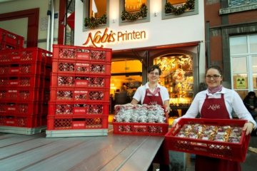 Mercedes-Benz Vans: The Nobis Printen bakery in Aachen trusts in Mercedes-Benz Sprinter for the delivery of its traditional Christmas cookies