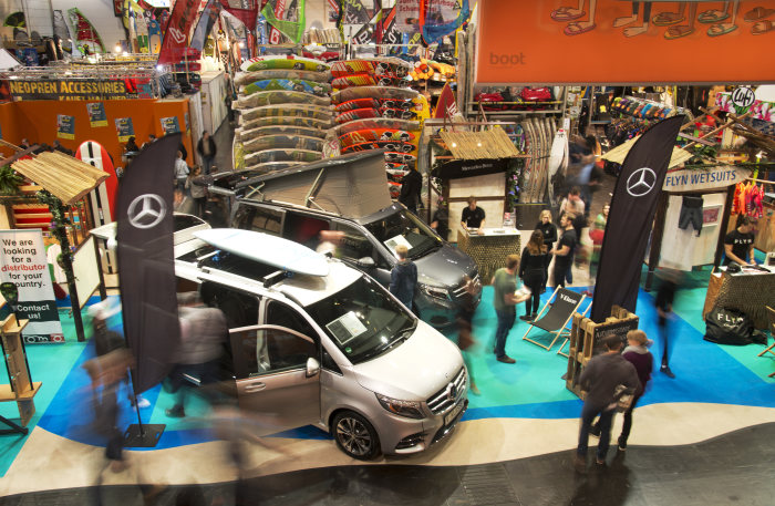 Mercedes-Benz Vans: Experience the world of surfing: Mercedes-Benz Vans at boot in Düsseldorf for the first time