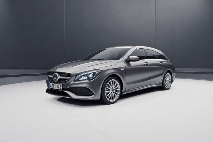 New special model series for the compact range: Premiere in Geneva: CLA Shooting Brake Night Edition