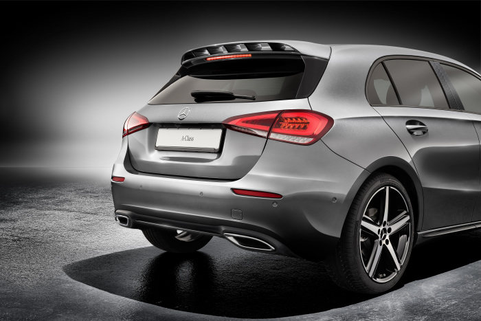 New Mercedes-Benz Sport Equipment: Sporting Add-on Parts and Light-alloy Whells for new A-Class