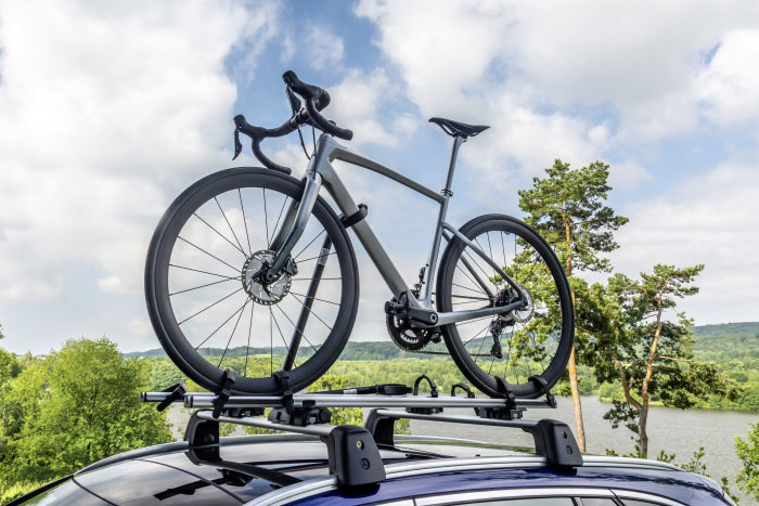 Mercedes-Benz cooperates with high-end road bike manufacturer Argon 18: High-performance bikes with exclusive design