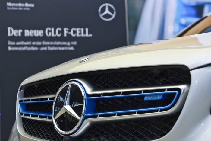Mercedes-Benz GLC F-CELL: Market launch of the world's first electric vehicle featuring fuel cell and plug-in hybrid technology