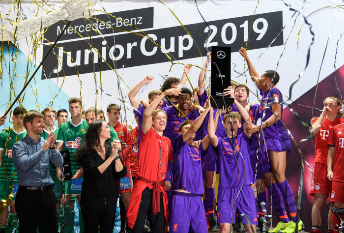 Junior football elite in Sindelfingen: FC Liverpool wins Mercedes-Benz JuniorCup 2019