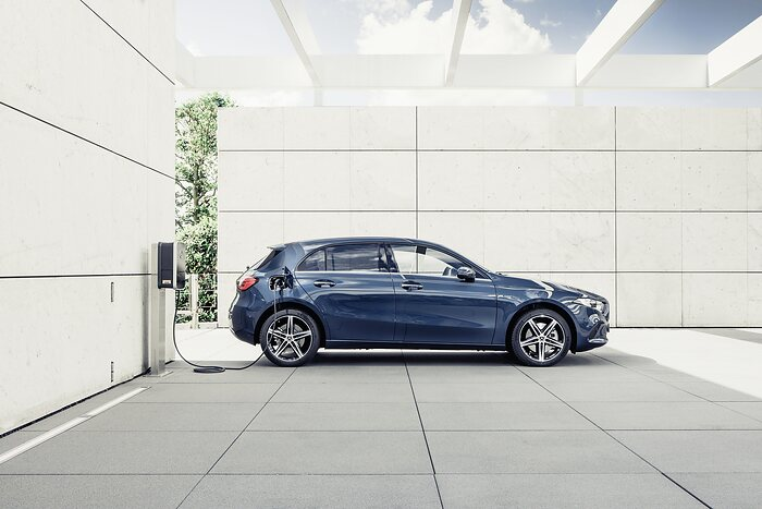 Mercedes-Benz: wide range of third-generation plug-in hybrids: EQ Power for the first time also for A- and B-Class