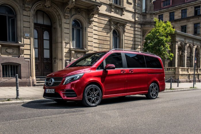 Right on time for the IAA 2019 - new photo material of the Mercedes-Benz V-Class facelift available