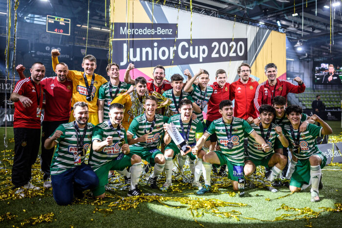 Junior football elite in Sindelfingen: SK Rapid Wien wins the 2020 Mercedes-Benz JuniorCup