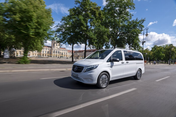 Start of Sales for the new Mercedes-Benz eVito Tourer (electrical consumption combined: 26.2 kWh/100 km; CO2 emissions combined: 0 g/km)1: The specialist for long-range passenger transport