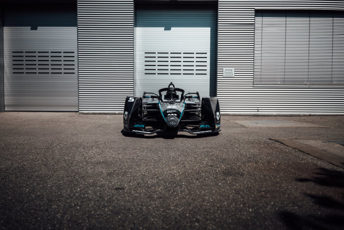 Six races in nine days: Mercedes-Benz EQ Formula E Team ready to face challenges of final week in Berlin