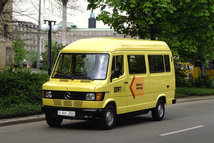 40 years ago: Premiere for the electrically-driven prototype van Mercedes-Benz 307 E