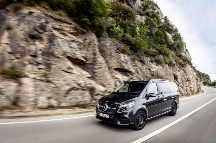 V-Class sets new standards in the segment with AIRMATIC air suspension system