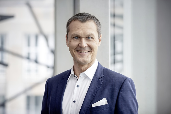 Mercedes-Benz Cars Sales Germany is to become part of the Europe region headed by Karl Schregle: Jörg Heinermann will become Head of the German sales organization