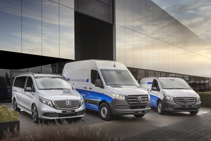 Electric or not, that is the question: use the Mercedes-Benz Apps simply and free of charge to virtually test drive the eSprinter, eVito and EQV