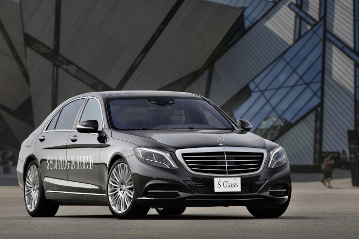 "New S 500 PLUG-IN HYBRID: The S-Class as a ""three litres per 100 kilometres"" car"