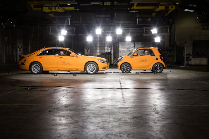 """Real-life safety"" philosophy: Crash test against S-Class: new smart fortwo offers comprehensive occupant protection"