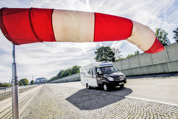 Campers based on the Mercedes-Benz Sprinter set new standards Premiere: Hymer ML-T is the first motorhome with Crosswind Assist