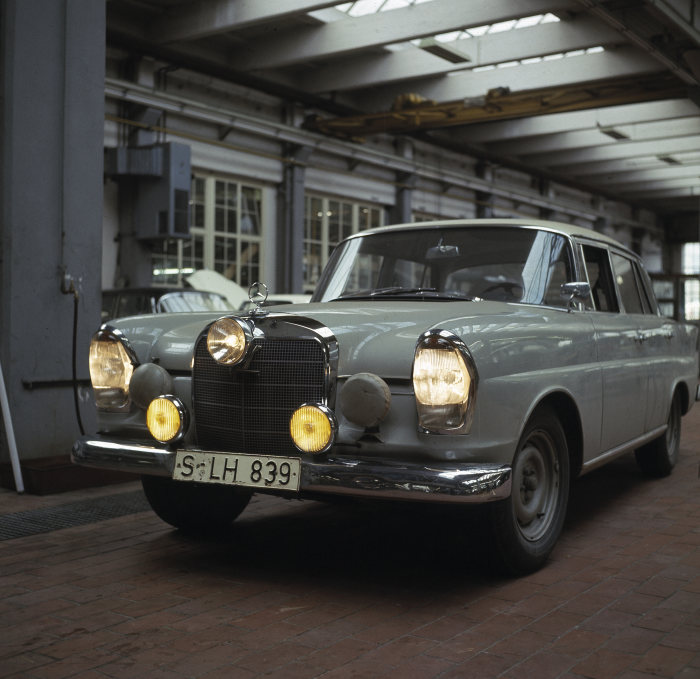 Premiere of new 'Fintail' from Mercedes-Benz Classic at the Nürburgring