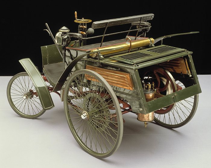 Benz Patent Motor Car Velocipede of 1894 – the world's first production car