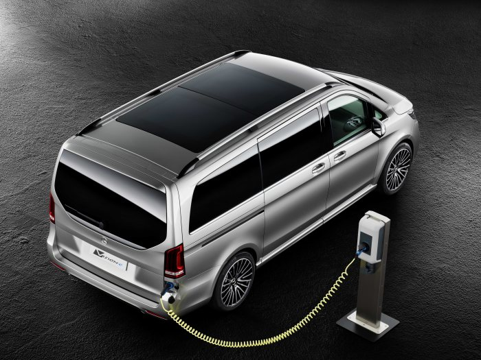 V-Class concept car with a PLUG-IN HYBRID drive: Mercedes-Benz Concept V ision e - Higher Performance at Lower CO2 Emissions