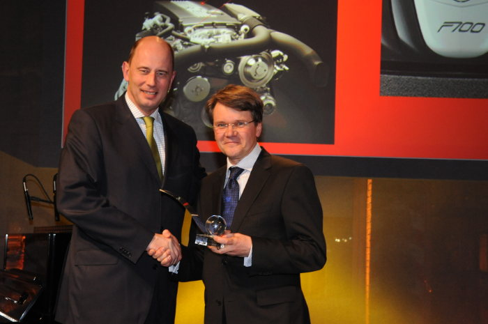 "The future of the internal combustion engine: Special ""Sensible Innovation"" award for the DIESOTTO engine concept from Mercedes-Benz"