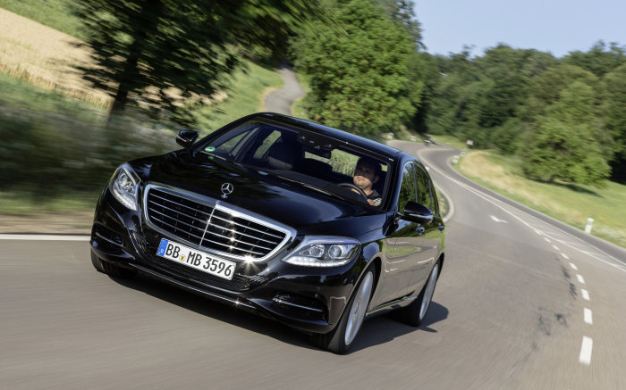 Sales release for S 500 PLUG-IN HYBRID: First PLUG-IN HYBRID with a star starts