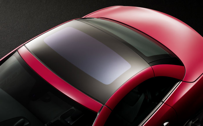Innovative glass roof for the new SLK: MAGIC SKY CONTROL - wellness atmosphere at the touch of a button