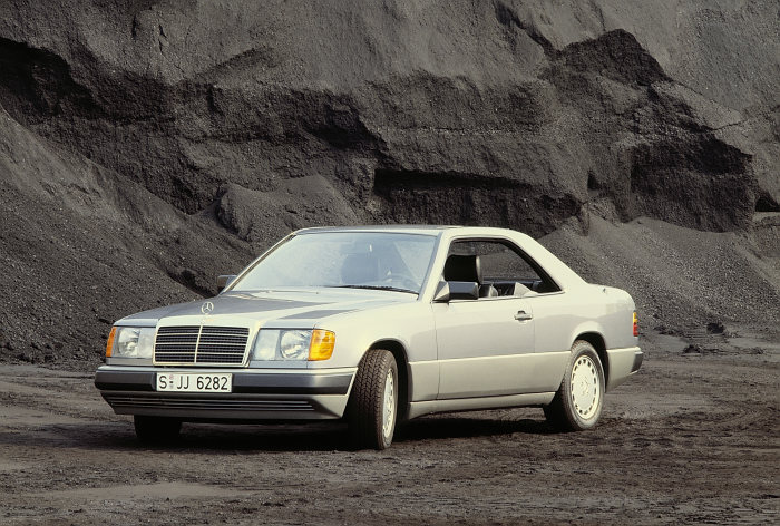 Fresh and modern: Mercedes-Benz coupés of the C 124 series
