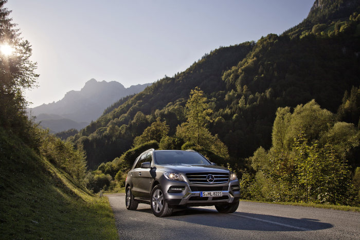 New model year with ML 500 4MATIC BlueEFFICIENCY: More performance, more equipment