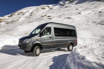 The only ex-factory all-wheel-drive van up to five tons: Hot on ice: the new Mercedes-Benz Sprinter 4x4