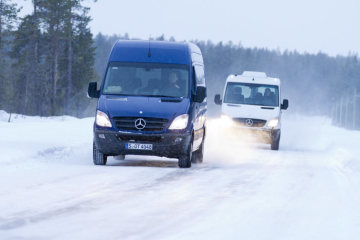 Winter test of Mercedes-Benz Sprinter: seven-speed transmission, seven litres of diesel per 100 km, extra ESP® functions