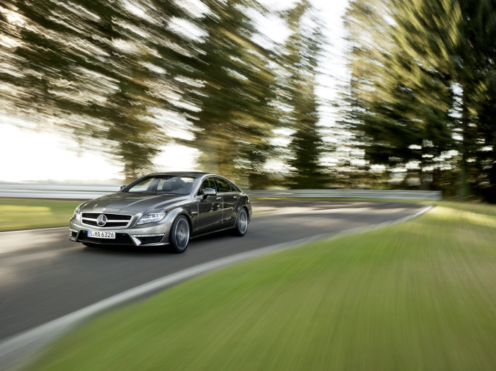 AMG V8 biturbo engine consuming 9.9 litres per 100 km: CLS 63 AMG – the benchmark in design, performance and efficiency