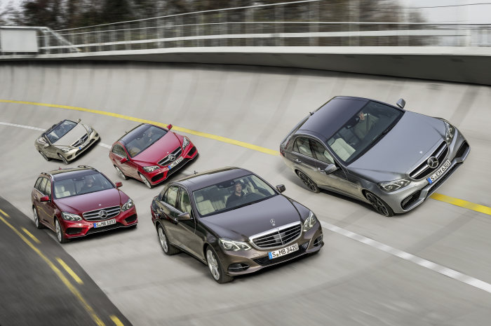 Double premiere for Mercedes-Benz at the Detroit Auto Show: Launch of major model initiative