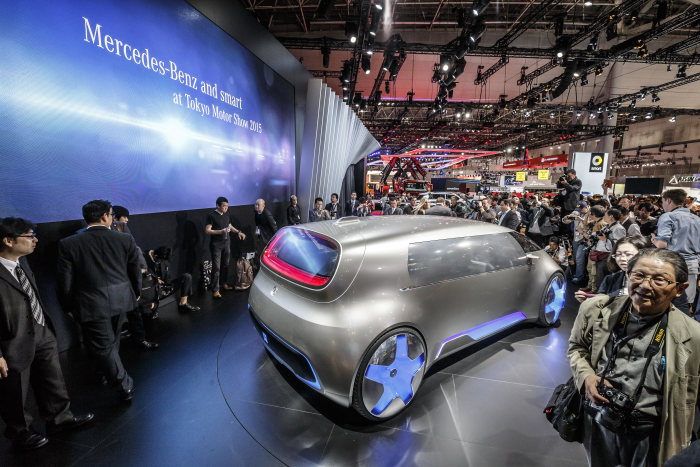 Mercedes-Benz and smart at the 2015 Tokyo Motor Show: World premiere for the Mercedes-Benz Vision Tokyo – Japanese premieres for the GLE and smart