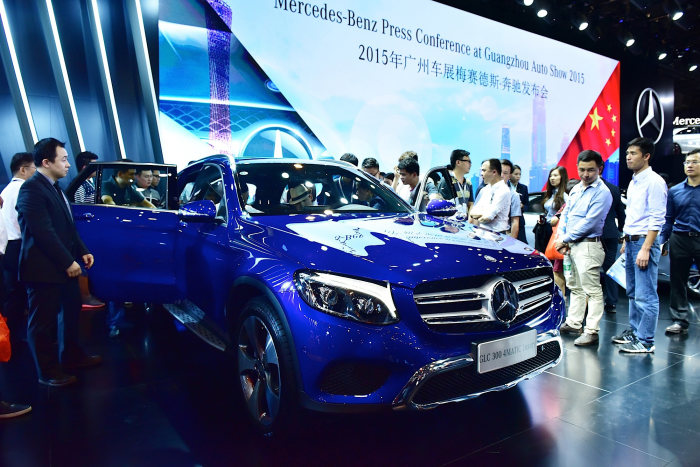 Mercedes-Benz and smart at Auto Guangzhou 2015: Product offensive in the Pearl River Delta