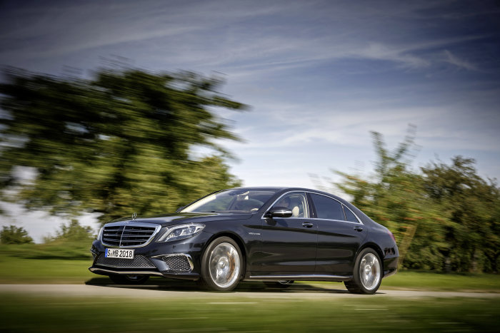 Der neue Mercedes-Benz S 65 AMG: Driving Performance in Vollendung