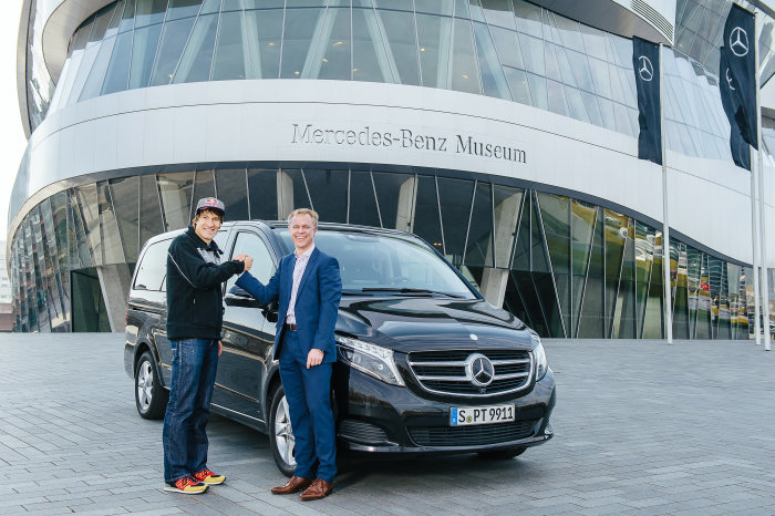 Another world champion to drive the three-pointed star: Mercedes-Benz the new automotive partner of triathlete Sebastian Kienle