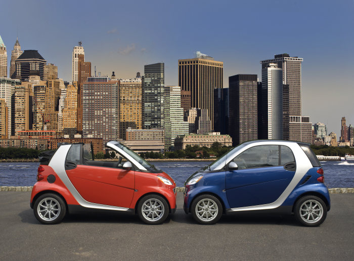10 Years of the smart fortwo - a Vehicle with Cult Status Celebrates its Birthday
