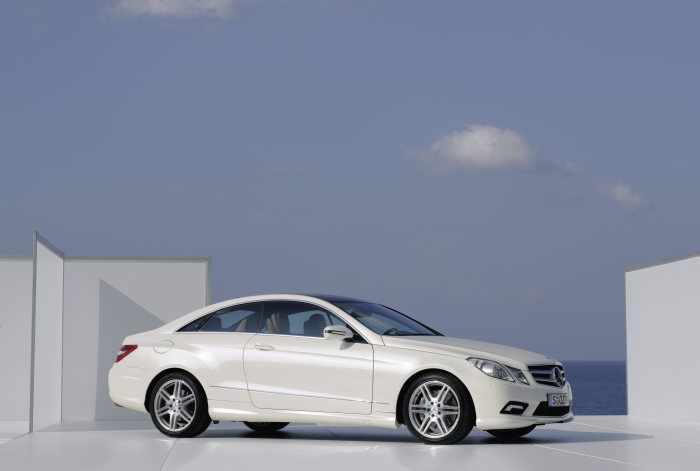 The new Mercedes-Benz E-Class Coupé: Excitement can be this efficient