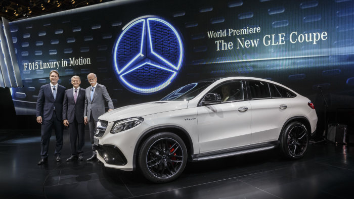 Mercedes-Benz at the North American International Auto Show 2015 in Detroit: Three-Pointed Star Continues Record-Breaking Run