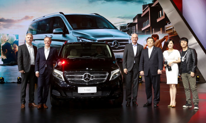 "Another milestone for growth strategy Mercedes-Benz ""Vans goes global"": Market premiere of Mercedes-Benz V-Class in China"