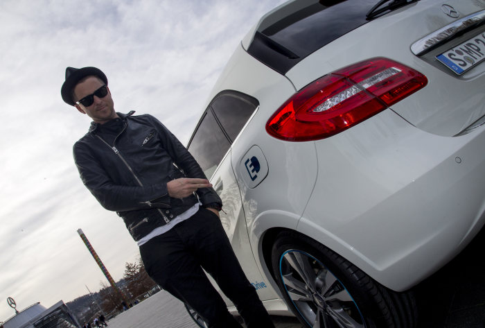"B-Class Electric Drive appears in music video ""I lived"" by OneRepublic: OneRepublic singer Ryan Tedder becomes Mercedes-Benz brand ambassador"