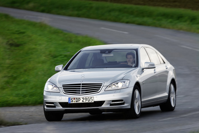 New engines for the S-Class: The new standard for efficiency