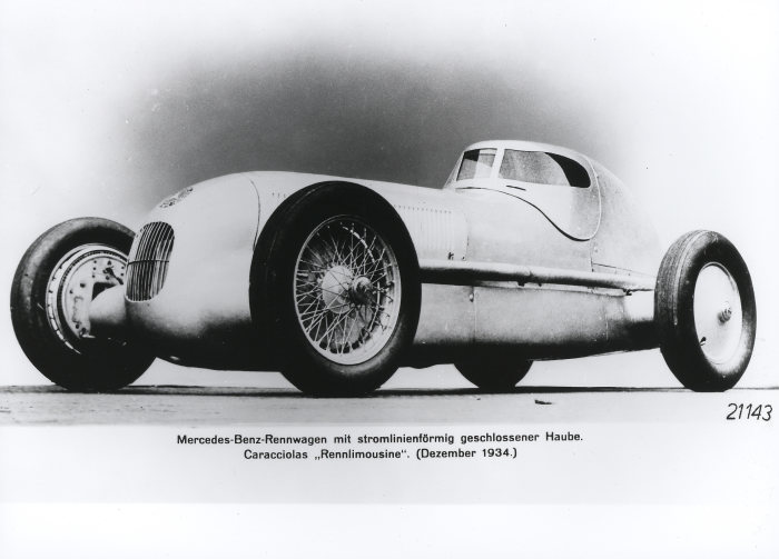 Mercedes-Benz W 25 racing car, 1934. Eight-cylinder engine with an output of 398 hp.