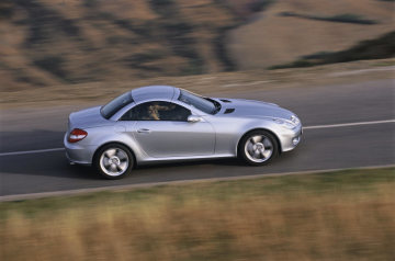 SLK-Class: The technology and equipment fitted in the SLK 350 are in close keeping with this model´s overtly sporty nature. Standard specification includes air conditioning, plus 17-inch light-alloy wheels with a five-spoke design.