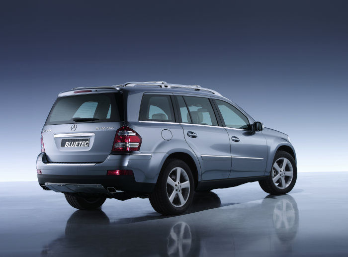 BLUETEC - the technology for the cleanest diesel in the world: GL 320 BLUETEC