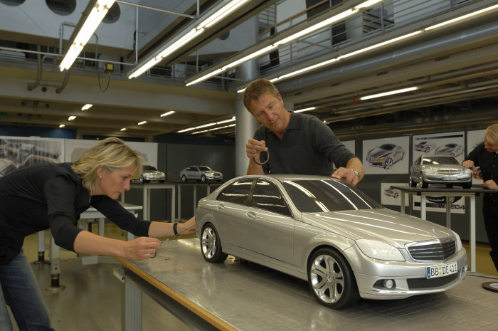 Mercedes-Benz C-Class: The finishing design touches were put to the 1:4 models before the first life-size design model was built.