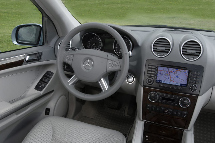 Mercedes-Benz M-Class ML 500, interior